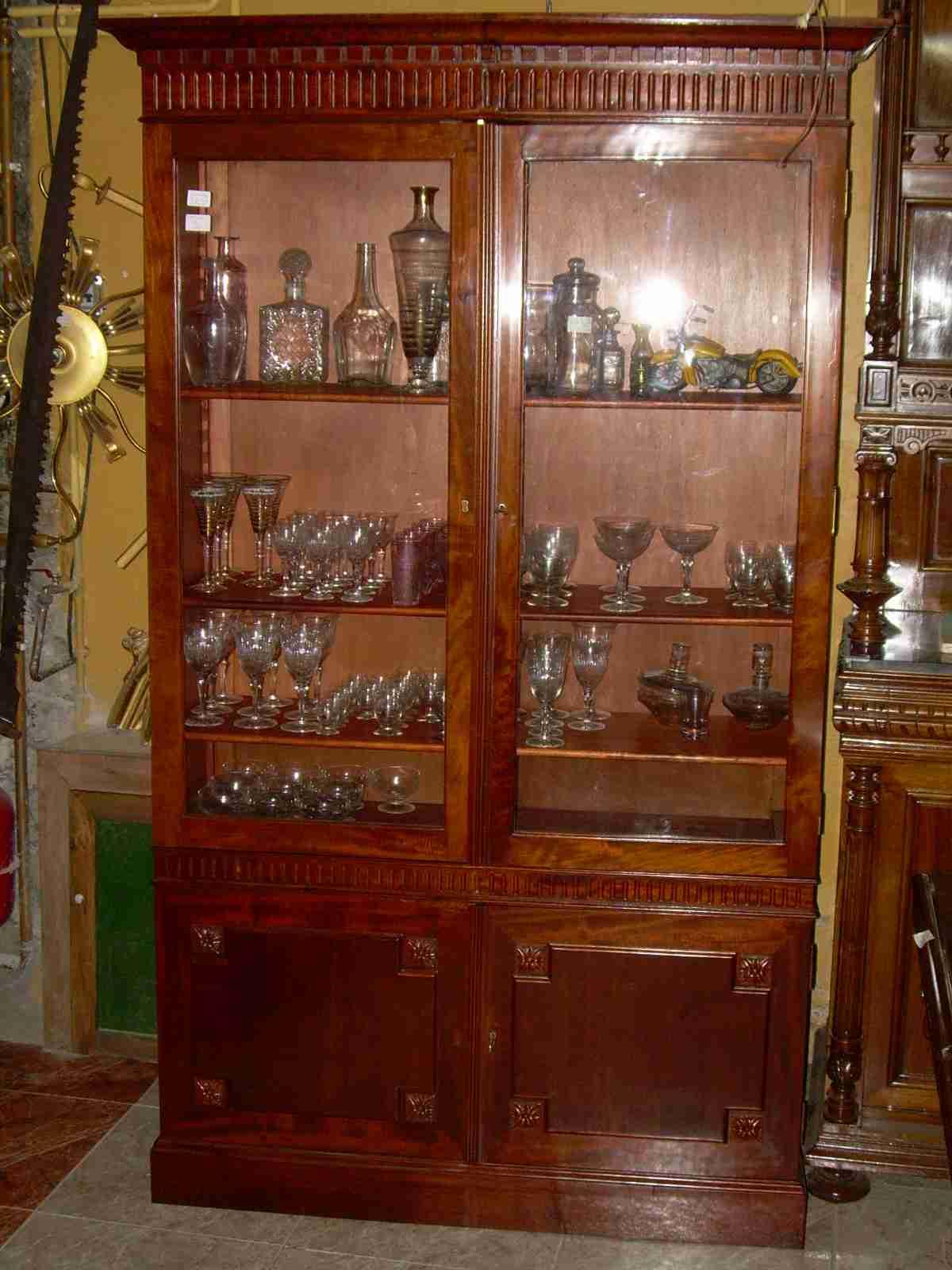 Trincheros de madera contemporaneos idee per interni e for Comedores y vitrinas de madera